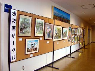 文化祭展示水彩画写真