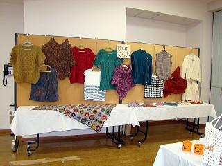 文化祭展示編み物写真
