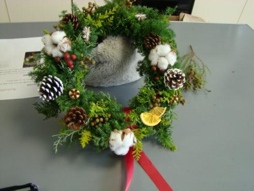 お花屋さんが教えるクリスマスリース写真1