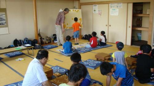 写真:前回の子ども将棋教室風景