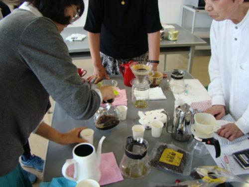 写真:前回の美味しいコーヒーの淹れ方講座風景