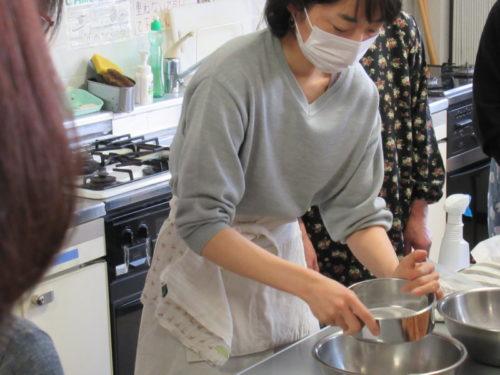 写真:木型工房ゆらりさんによるお干菓子作り