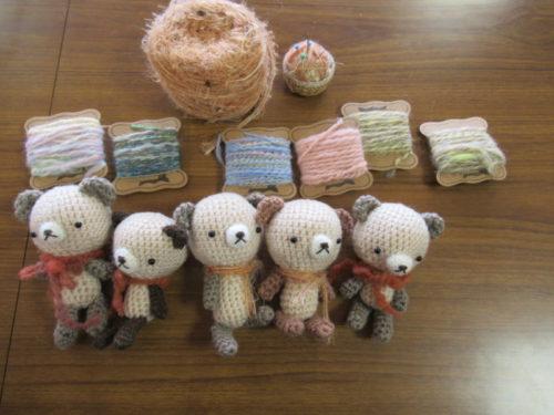 写真:毛糸で作るぬいぐるみ あみぐるみ講座の様子