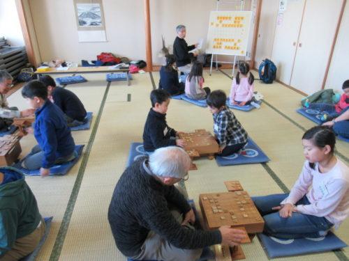 写真:冬の子ども将棋教室の様子
